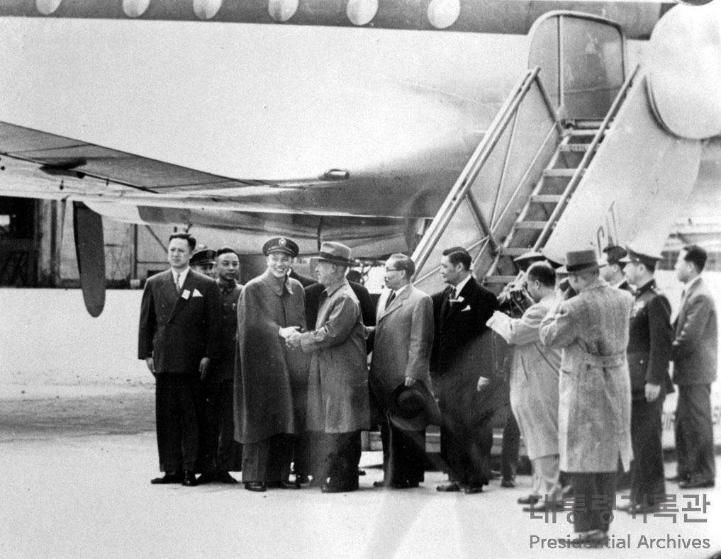 대한민국 정상외교 제 1호, 중화민국 초대 총통 '장개석(蔣介石)' 사진