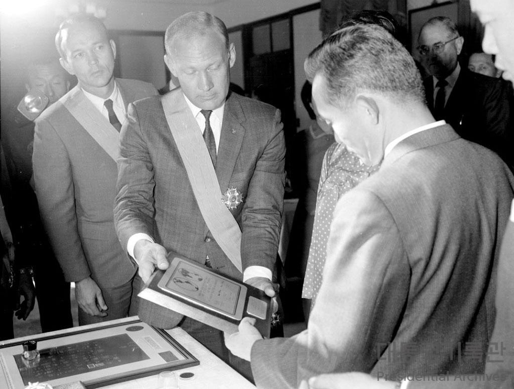 달에 착륙한 최초의 인간 '닐 암스트롱(Neil Alden Armstrong)'